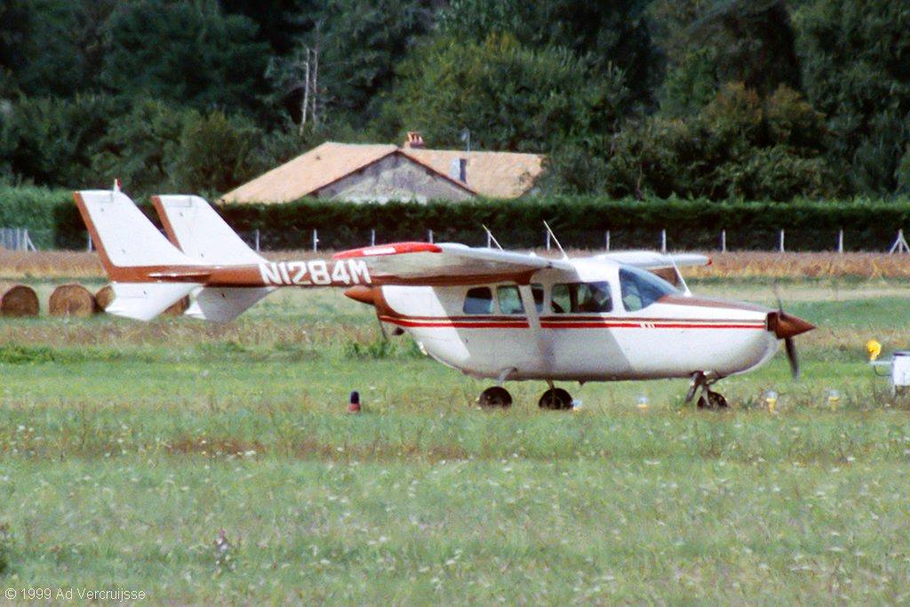 Cessna 337 Super Skymaster photos